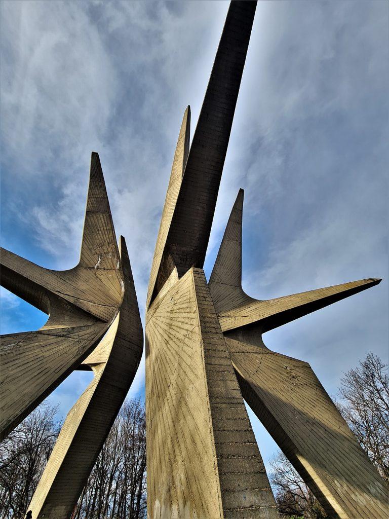 Spomenik Kosmajskom odredu